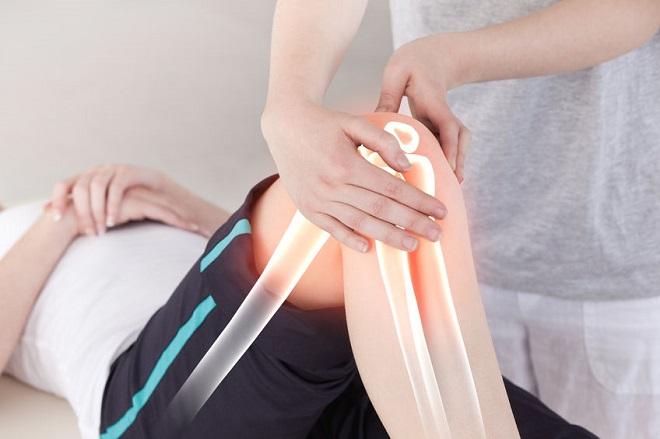 durere în articulația umărului când ridicați brațul