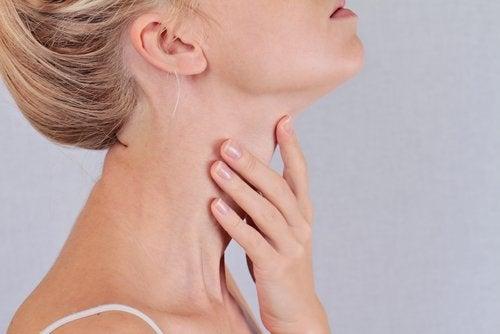 cu articulațiile bolii tiroidiene rănite artrita articulației umărului cotului