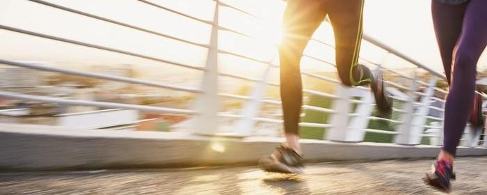 cauza durerii la genunchi după alergare)