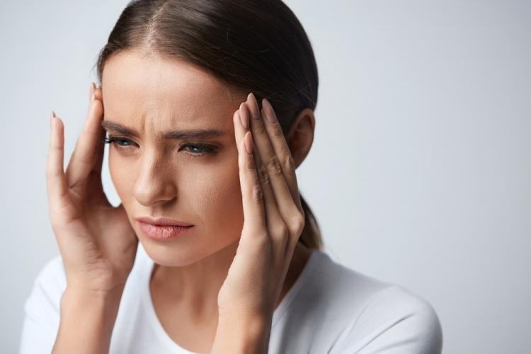 febră dureri articulare dureri de cap este