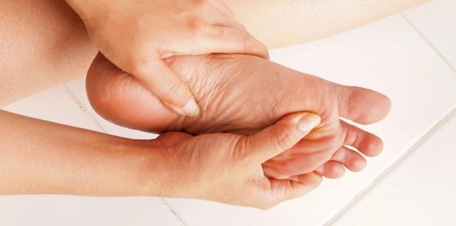 dureri articulare și amorțeală a piciorului