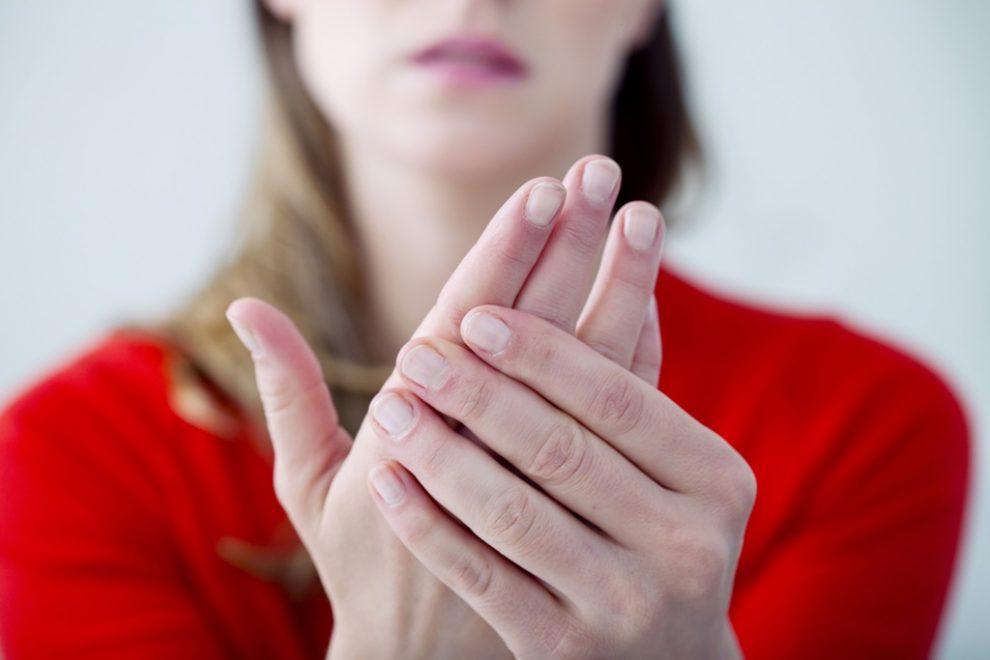 De ce rănesc articulațiile degetelor după somn