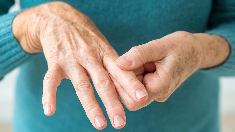 inflamație articulară pe degetul mic al mâinii)