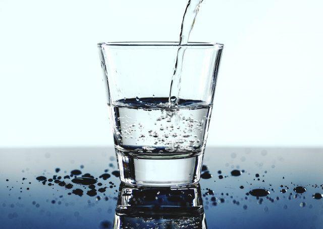 apă minerală pentru bolile articulare articulațiile mâinilor doare noaptea