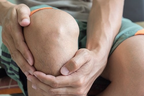 dureri de genunchi la ridicare