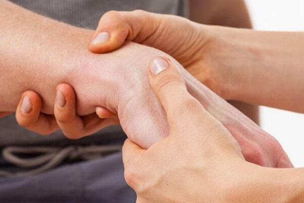 ajutați la masajul durerii articulare medicament pentru epicondilita articulației cotului