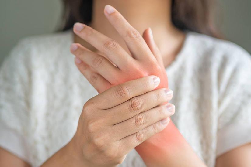 degetul umflat cu artrită