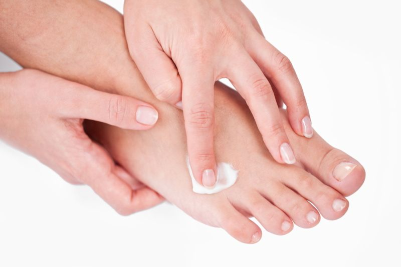 Ce cauzează umflarea și durerea articulațiilor mâinilor: bolile și alți factori