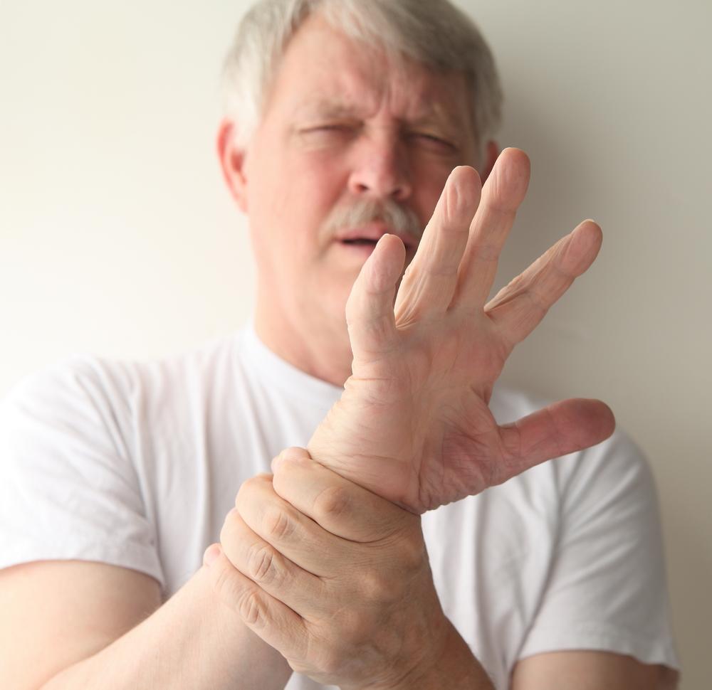 durere când apăsați pe articulațiile degetelor