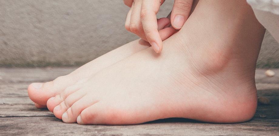 dureri la nivelul gleznei și la călcâie tratamentul artrozei cu medicamente hel