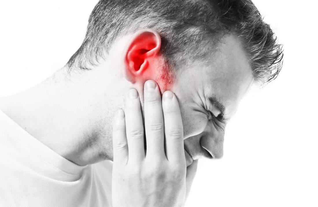 durerea articulară radiază spre ureche)