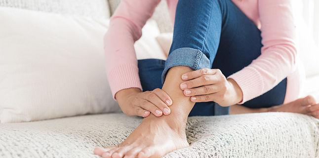 picioare umflate și dureri articulare