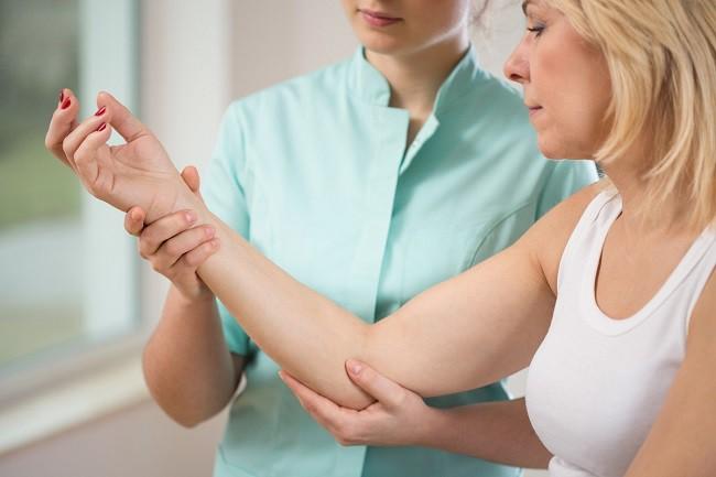 dureri de noapte în articulațiile tratamentului mâinilor